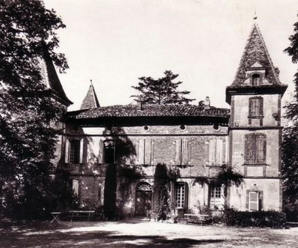 Giroussens__Tarn__Le_Chateau