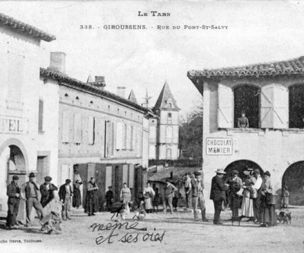Le_Tarn_338__GIROUSSENS_Rue_du_Pont_St_Salvy