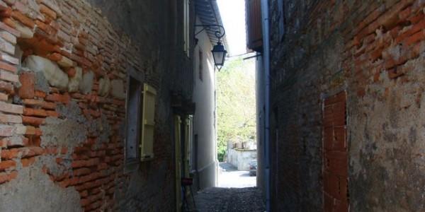 Ruelle_et_maisons_anciennes