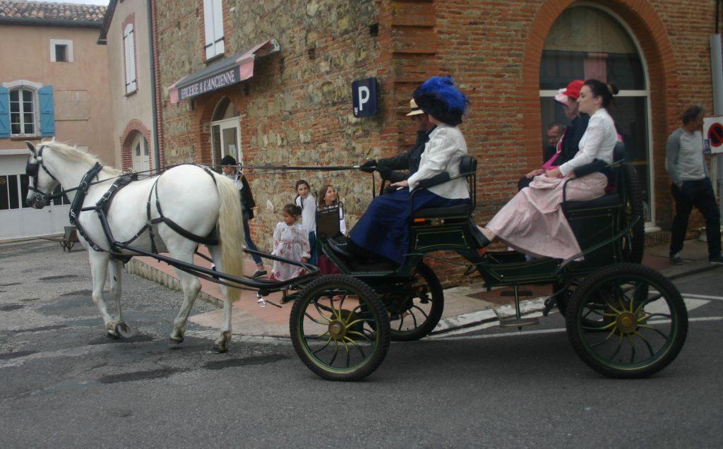 Succès également du petit Marché des Lavandières et de la calèche de Stéphane Godin attelée avec Quinto del Luna qui ont promené de nombreux visiteurs dans les rues du village